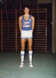 Foto oficial del primer equipo de Estudiantes 80/81