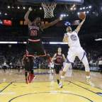 Steph Curry y Jimmy Butler, Jugadores del Mes en la NBA