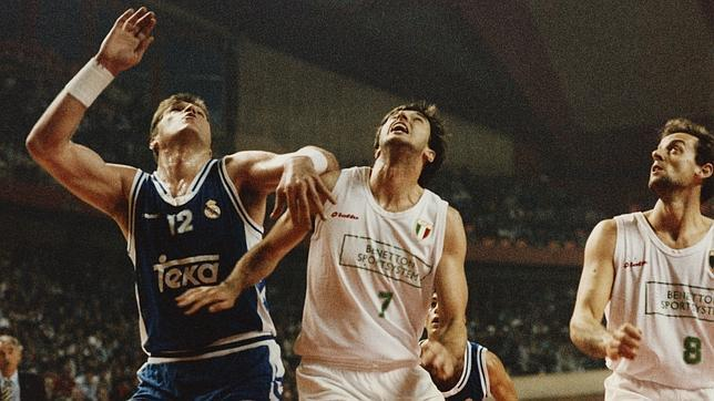 Contra otro genio del baloncesto: Toni Kukoc
