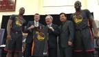 Mientras aquí no sabemos vender el baloncesto, Warriors y Rockets presentan equipaciones para el Año Nuevo chino