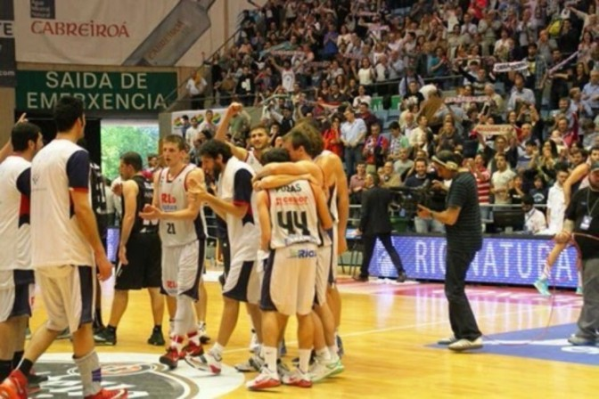 (Foto: @Fotofruqui; http://obradoirobasketfoto-fru.blogspot.com.es)