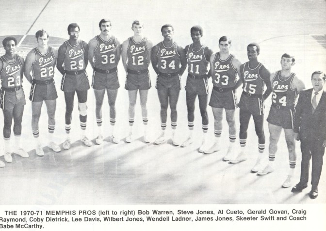 Pros 70-71 Road Team