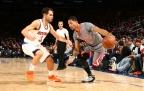 Rose a los Knicks en un traspaso que incluye a Calderón