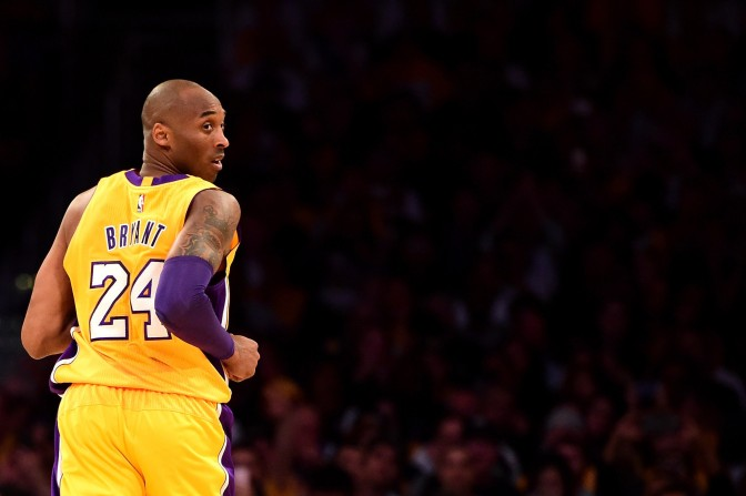 ct-nba-kobe-bryant-final-game-spt-20160413
